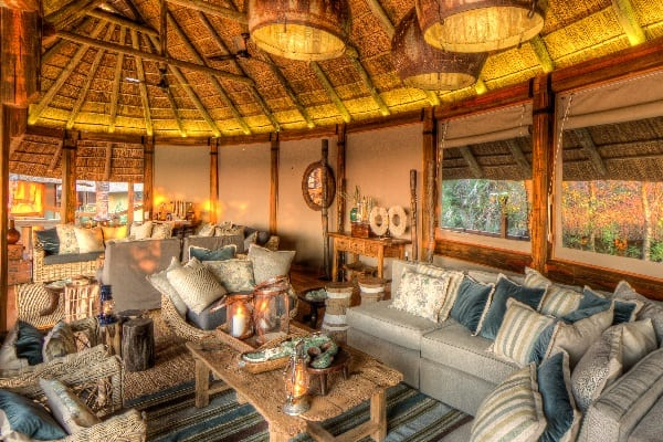 Camp-Okavango-Lounge-okavango-bostwana