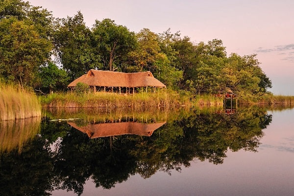 Camp-Xakanaxa-Main-Lodge-Khwi-River-View-moremi-botswana