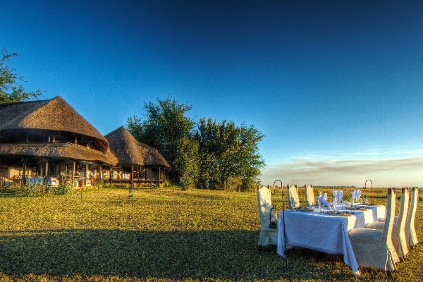 Chobe-Savanna-Lodge-Outdoor-Dining-botswana