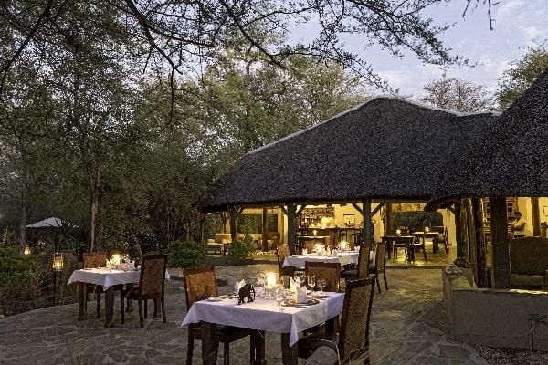Etosha-aoba-lodge-dining-etosha-namibia