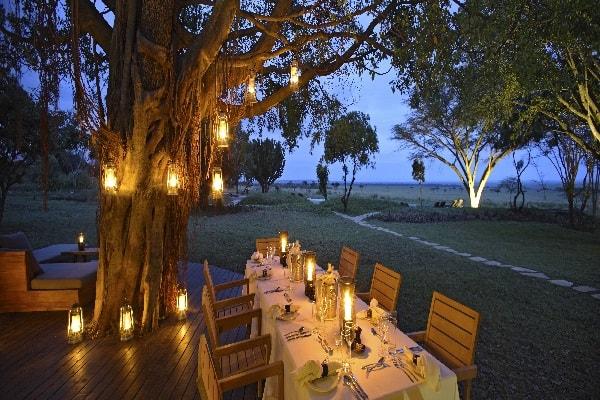 Kichwa_Tembo_guestarea-dining-masai-mara-kenya