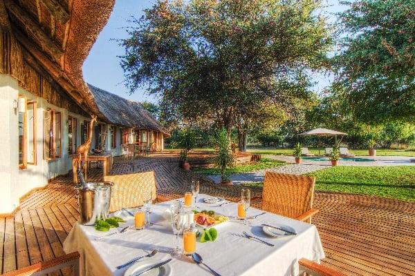 Leroo-La-Tau-Outdoor-Dining-botswana