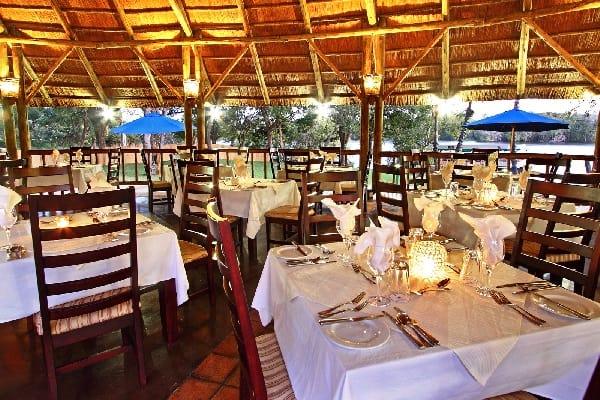 Tailormade-safaris-azambezi-river-lodge-victoria-falls-zimbabwe