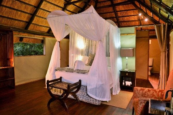 Tailormade-safaris-zimbabwe-ivory-lodge-hwange