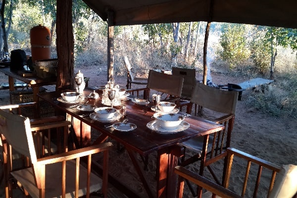Zimbabwe-vintage-camp-hwange-safaris