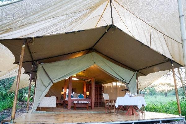 asanja-grumeti-room-exterior-serengeti-tanzania