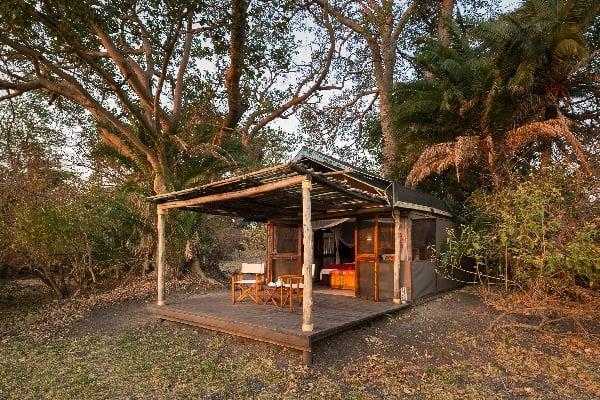 busanga-camp-room-exterior-kafue-zambia