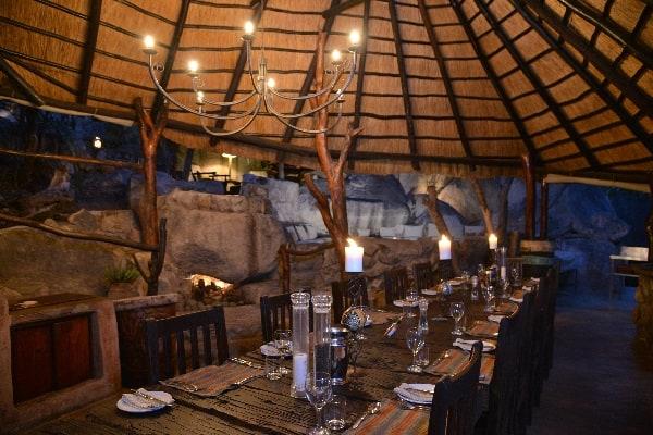 camp-amalinda-dining-matobo-zimbabwe