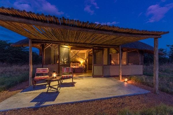 camp-hwange-exterior-zimbabwe