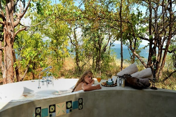 changa-safari-camp-outside-bath-matusadona-zimbabwe