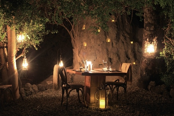 chem-chem-lodge-dining-tarangire-tanzania