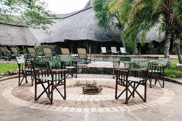chilo-gorge-safari-lodge-firepit-gonarezhou-zimbabwe