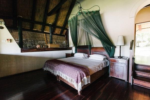 chilo-gorge-safari-lodge-gonarezhou-bedroom-zimbabwe