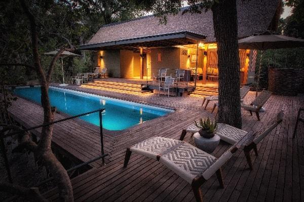 chitabe-camp-pool-okavango-botswana