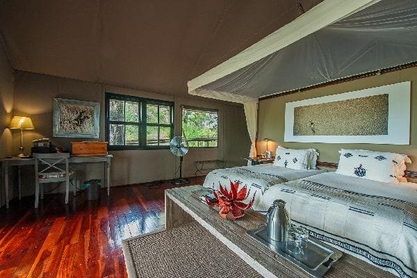 chitabe-camp-room-interior-okavango-botswana