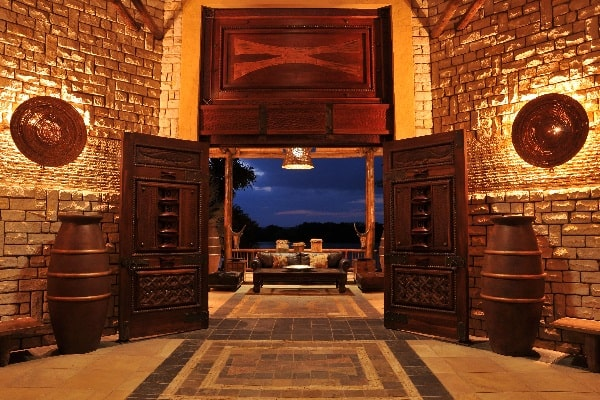 david-livingstone-lodge-entrance-zambia