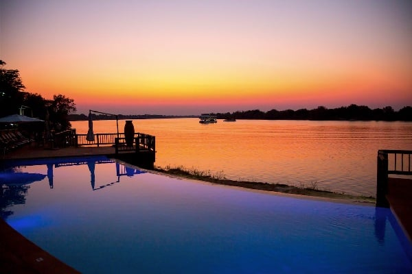 david-livingstone-lodge-pool-zambia