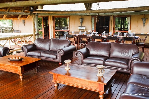 deception-valley-lodge-lounge-kalahari-botswana
