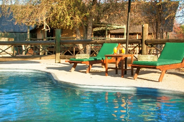 deception-valley-lodge-pool-kalahari-botswana