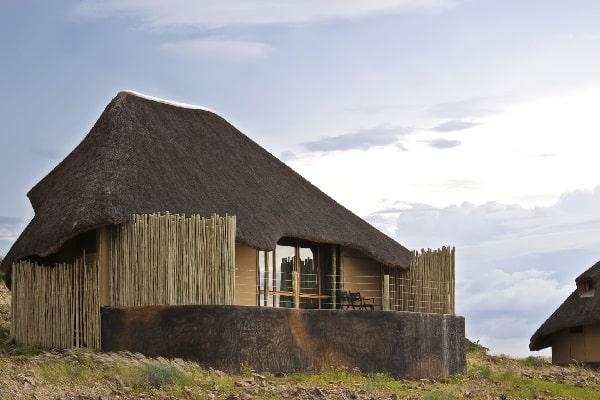 doro-nawas-exterior-damaraland-namibia