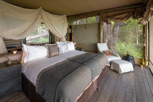 duma-tau-camp-linyati-room-interior-botswana