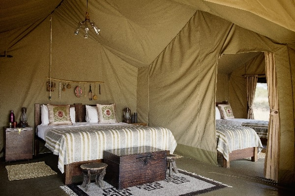 dunia-camp-bedroom-interior-serengeti-tanzania