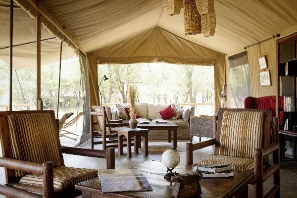 dunia-camp-lounge-serengeti-tanzania