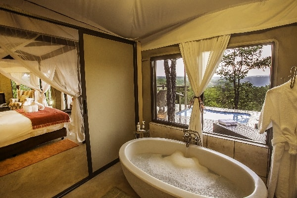 elephant-camp-bathroom-victoria-falls-zimbabwe