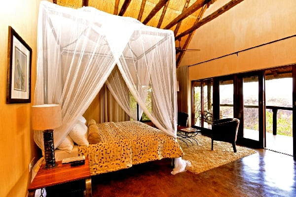 gorges-lodge-bedroom-victoria-falls-zimbabwe