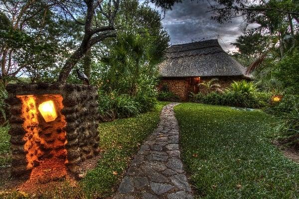 gorges-lodge-exterior-vicfalls-zimbabwe