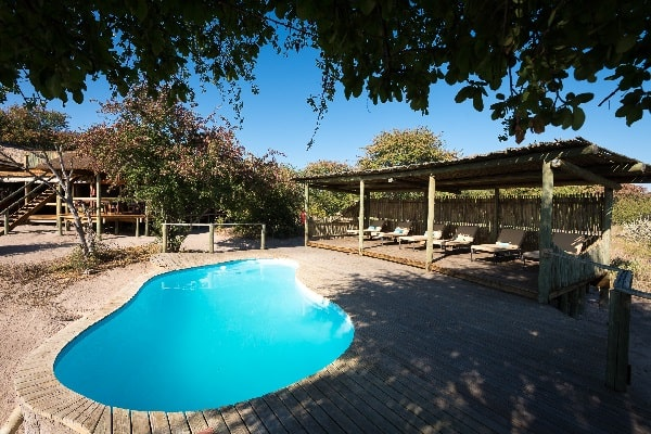 kalahari-plains-camp-pool-botswana
