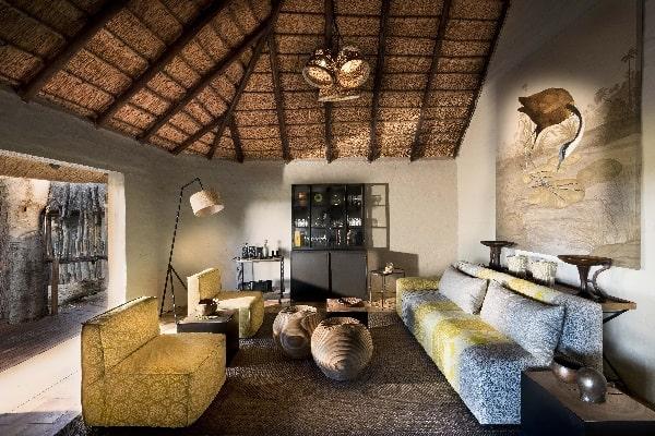 khwai-bush-camp-lounge-moremi-botswana