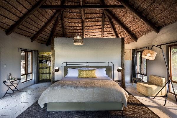 khwai-bush-camp-room-moremi-botswana