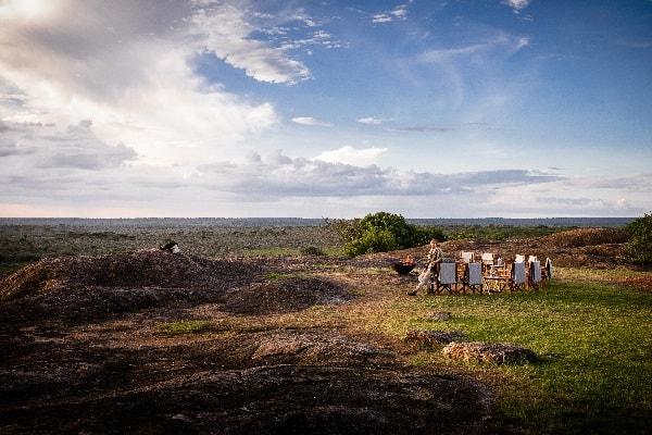 kichakani-camp-serengeti-firepit-tanzania