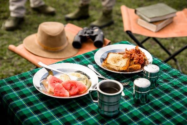 kichakani-serengeti-camp-bush-breakfast-tanzania
