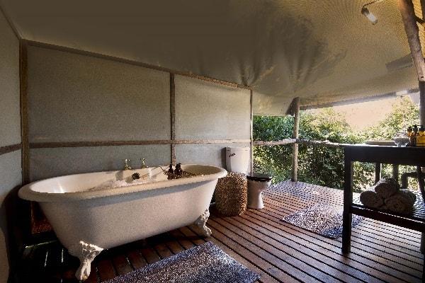 linyati-ebony-bathroom-linyati-botswana