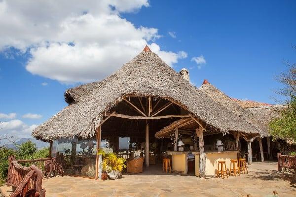 lions-bluff-lodge-exterior-tsavo-kenya