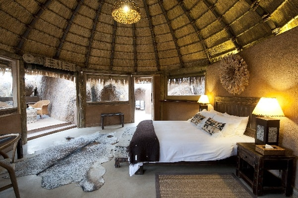 mowani-mountain-camp-room-interior-damaraland-namibia