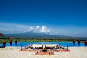 ngorongoro-oldeani-lodge-pool-tanzania
