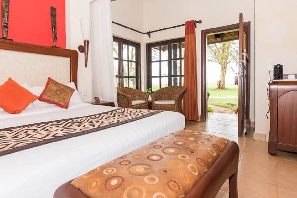 ol-tuki-lodge-room-interior-amboseli-kenya