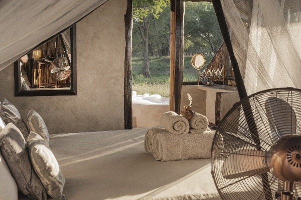 old-mondoro-camp-room-lower-zambezi-zambia