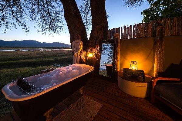 ruckomechi-outside-bath-manapools-zimbabwe