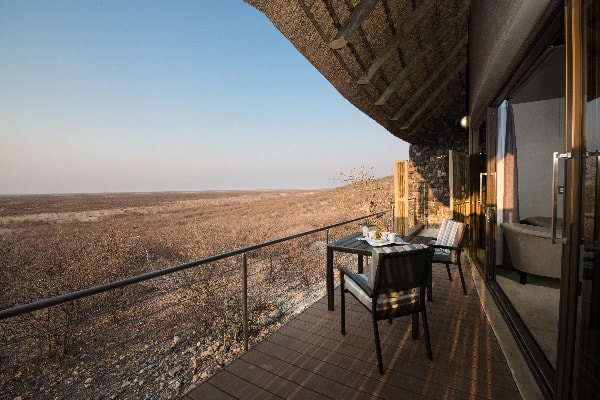 safari-hoek-lodge-room-view-etosha-namibia