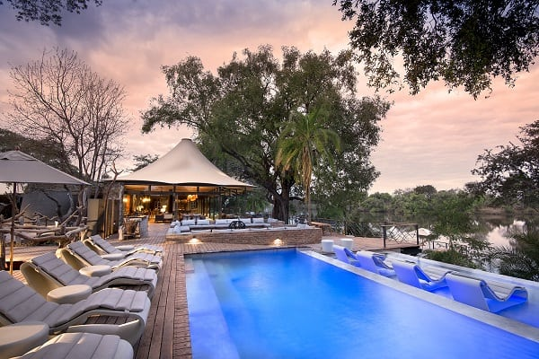 thorntree-lodge-pool-zambia