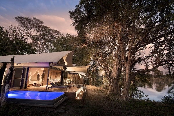 thorntree-lodge-room-xterior-zambia