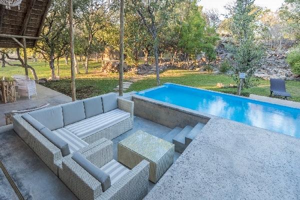 toshari-lodge-pool-etosha-namibia