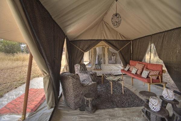 ubuntu-camp-family-tent-lounge-serengeti-tanzania