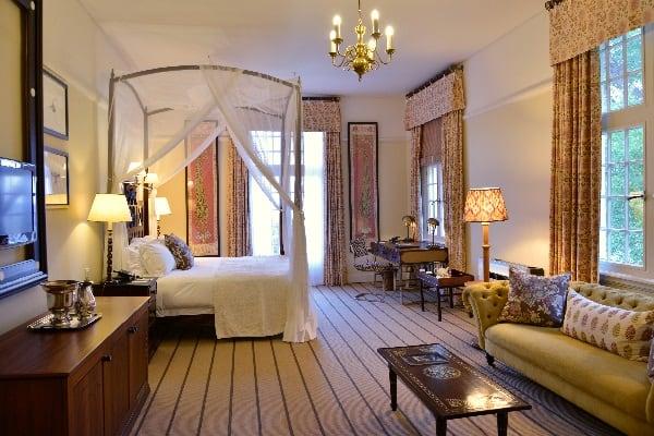 victoria-falls-hotel-deluxe-suite-zimbabwe
