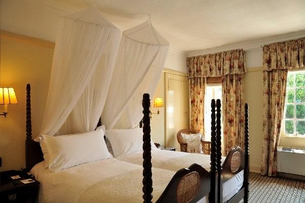 victoria-falls-hotel-rooms-zimbabwe