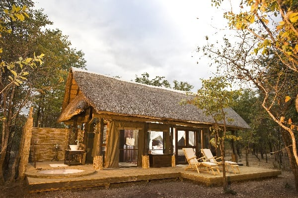 zungulila-room-exterior-south-luangwa-zambia